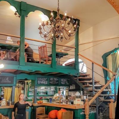 King's Caffe Food Pub Rijeka - Interior